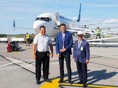 WestJet's first non-stop flight from YYC to YYG is greeted with inaugural event upon landing in Charlottetown (CNW Group/WESTJET, an Alberta Partnership)