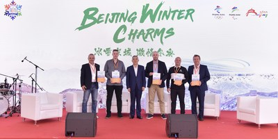 Mr. Ma Wen awarded official Great Wall Heroes 2021 certificates.